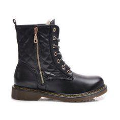 PREŠÍVANÉ WORKERY Komfortné, prešívané WORKERY. Spojenie topánky s podrážkou zdôraznené žltou niťou. Podrážka s prímesou kaučuku nekĺže.  https://cosmopolitus.eu/product-slo-41609-PRESIVANE-WORKERY.html #vaky #univerzalne #stopka #jesenne #modne #utulny #byt #lacne #predaja #clenok