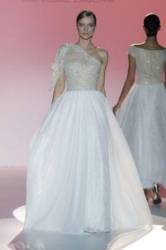 Los vestidos de novia de Hannibal Laguna - Álbumes - telva.com