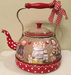 NewTea Kettle..Vintage..Red and Beige Gingerbreads..Kitchen