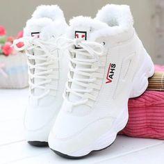 Womens Wedge Sneakers, Sneakers Mode, Trendy Womens Sneakers, Jordan Shoes Girls, Girls Shoes, Shoes Women, Sneakers Shoes For Girls, Cute Sneakers For Women, Ladies Shoes