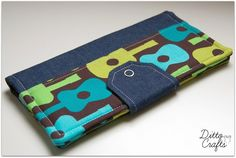 Family Travel Wallet - Guitars - by DittoCrafts on madeit