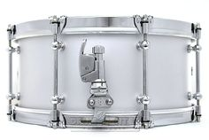 """Dunnett Classic14 x 6.5"""" Magnesium shell Snare Drum in polished chrome Silver Ceramic finish with Cold Rolled Hoops, Tube lugs, Dunnett Hypervent and R4 Strainer."""