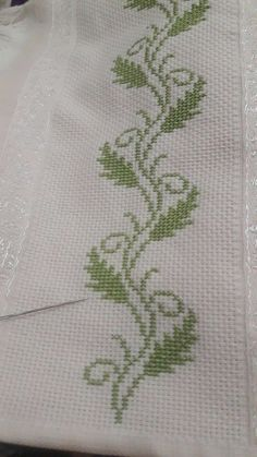 1 million+ Stunning Free Images to Use Anywhere Cross Stitch Bookmarks, Cross Stitch Borders, Cross Stitch Flowers, Cross Stitch Designs, Cross Stitching, Cross Stitch Embroidery, Cross Stitch Patterns, Bordado Tipo Chicken Scratch, Palestinian Embroidery