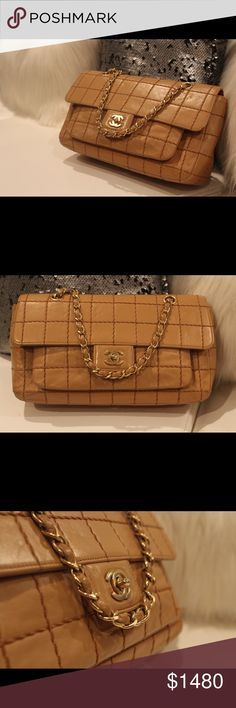 CHANEL CHAIN PURSE Authentic Vintage CHANEL bag in very good condition. Small size. CHANEL Bags Shoulder Bags