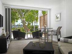 The luxury @southgatetowers Apartments in Miami Beach features furniture from our contemporary and outdoor durable Lantana and Vision Sling Collections. To view accompanying collection pieces, as well as other Texacraft Collections, view our catalog. Outdoor Furniture Inspiration, Outdoor Furniture Sets, Outdoor Decor, Home Catalogue, Furniture Catalog, Luxury Apartments, Miami Beach, Patio, Contemporary
