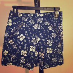Skirt Skirt , extra small, Abercrombie Fitch, price flexible. Message me if interested :) Abercrombie & Fitch Skirts Mini