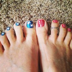 July 4th toes #quartersoncampus Nail Time, Let Freedom Ring, Strong Nails, Cute Toes, Toe Nail Designs, Happy 4 Of July, Mani Pedi, Red White Blue, Diy Nails