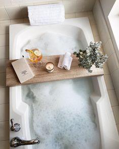 Diptyque Candles, Wood Bath, Spa Day At Home, Dream Bath, Relaxing Bath, Bath Decor, Bath Caddy, Bubbles, Bath Salts