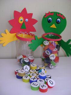 """""""Brincar é a mais elevada forma de pesquisa"""" Albert Einstein O brinquedo é um grande aliado na construção do conhecimento. Iss..."""