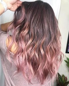 35 Rose Brown Hair Shades That Will Inspire You To Visit The Salon – dessins de cheveux Brown Hair Balayage, Brown Ombre Hair, Brown Hair With Highlights, Ombre Hair Color, Cool Hair Color, Brown Hair Colors, Brown Hair To Pink, Color Highlights, Rose Gold Brown Hair Color