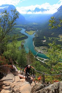 Rampestreken is a spectacular viewpoint you can reach by foot from Åndalsnes town. The hike provides a fantastic view towards Trollstigen and the mountains.