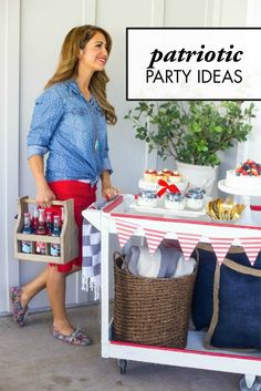 Don't know how to decorate your house for Memorial Day or the 4th of July? These Patriotic Party Ideas are here to help make your home beautiful and festive.