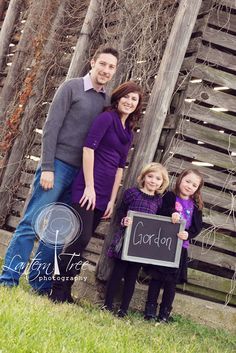 What to wear for your family photo session: Layers, accessorize, little bits of pattern. Beautiful!