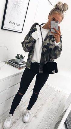 Teen Clothing 26 Classy Fall Outfits To Copy For Fall outfits Newest fall outfits casual outfits; Teen Clothing Source : 26 Classy Fall Outfits To Copy For Winter Outfits For Teen Girls, Classy Fall Outfits, Preppy Winter Outfits, Fall Outfits 2018, Fall Outfits For School, Cute Casual Outfits, Mode Outfits, Fashion Outfits, Casual Winter