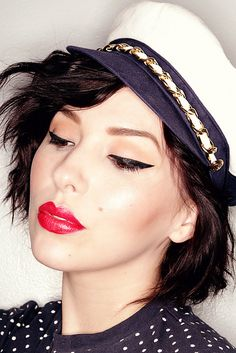 keiko lynn: makeup naked pallet 2 eyeliner and red lips! Love love!