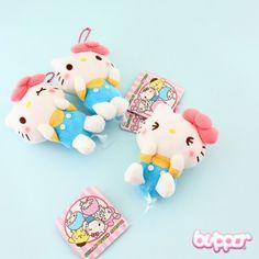 Hello Kitty Ribbon Charm