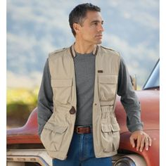 Men's Men's Bush Poplin Safari Vest $89 Travelsmith