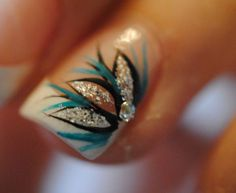 30 Magnificent Peacock Nail Designs  #peacocknaildesigns #nailart #naildesigns
