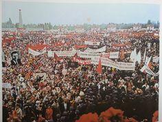 manifestace (zdroj: Praha/Prague/Prag)