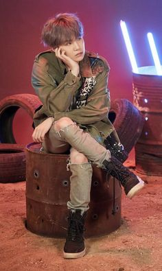 its for all kpop idols and for all famous people Bts Suga, Kim Namjoon, Min Yoongi Bts, Bts Bangtan Boy, Seokjin, Hoseok, Daegu, Mixtape, Taemin