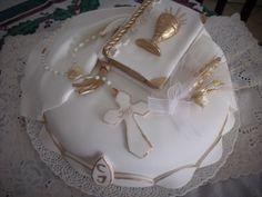 Decoracion de Tortas Primera Comunion: Ideas para decoracion. | Ideas para Decoracion First Communion Cakes, Sugar Art, Cake Designs, Amazing Cakes, Christening, Food Inspiration, Cupcake Cakes, Fondant, Cake Decorating