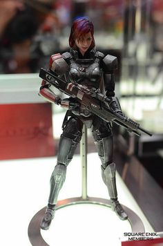 FemShep figure at DSCC by SquareEnix