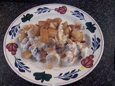 Gezond ontbijtje. Een appeltje iets aanbakken in de koekenpan en in de laatste minuut een theelepel honing, wat kaneel en ongeveer 20 gram ongezoute noten toevoegen. Dit even wat laten afkoelen. Doe 4 eetlepels magere kwark op een bord en roer hier 2/3 banaan, kaneel, en 2/3 van de appel-notenmengel doorheen. Leg de overige banaan en appel-notenmengsel over of naast het geheel. Bestrooi met nog wat kaneel en doe er nog een theelepel honing overheen.