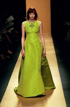 Oscar de la Renta - Ready-to-Wear Fall / Winter 1999 #oscardelarenta #fashion #vintage #90sfashion
