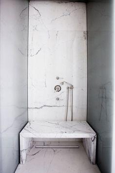 .shower bench