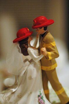 firefighter-wedding-cake-topper-2