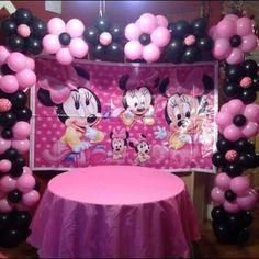 Like the balloon idea Carousel Birthday Parties, Minnie Mouse Birthday Decorations, Minnie Mouse Balloons, Minnie Mouse First Birthday, Minnie Mouse Theme, Minnie Mouse Baby Shower, First Birthday Party Themes, Mickey Birthday, 1st Birthday Girls
