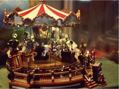 Antique Carousel Music Boxes | CAROUSEL VINTAGE OLD STYLE MUSIC BOX - CROSLEY ANTIQUE REPLICA.