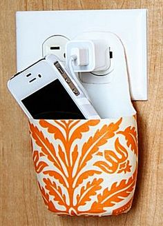 Telefoonhouder bij opladen -- Knutsel je ook mee? Make Your Own, Fathers Day, Projects To Try, Presents, Kids, Garden Privacy, Ideas Para, Image, Blue Prints