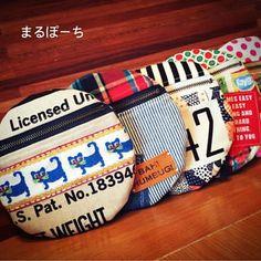 まる!ぽーち! #ハンドメイド#ハンドメイドポーチ#ファスナーポーチ#布小物#布雑貨#handmade Mini Purse, Diaper Bag, Sewing Patterns, Pouch, Throw Pillows, Purses, Easy, Handmade, Crafts