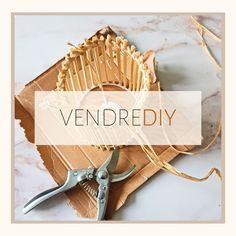 🛠 VENDREDIY 🛠 Nouveau vendredi, nouveau DIY sympa ! J'ai envie de stimuler votre créativité en vous encourageant à recycler une vieille lampe.#diyideas #diyvideo #diydecor #diytutorial #diyhome #bricolage #bricolagefaitmain #zerodechet #bricolagemaison #diy#diylover #diyproject #diyprojet #diymeuble #lovediy #lovediyproject #recup #faitmain #vendrediy #chezviviane #diylampe #lamp #lampe #bois #miroirsoleil #diylamp #designideas #inspiration #inspirationdeco Diy Lampe, Deco Nature, Idee Diy, Diy Décoration, Arrow Necklace, Inspiration, Make A Lamp, Envy, Old Lamps
