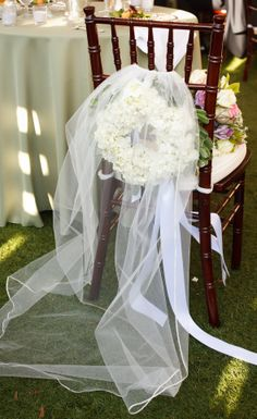 bride's veil at reception-hydrangeas were on mom's pew at wedding <3 (I was the bride, the mom was my Grandmother)