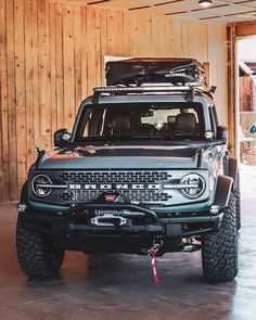 Classic Bronco, Classic Ford Broncos, Bmw Classic Cars, Classic Trucks, New Bronco, Bronco Truck, Bronco Sports, Ford Bronco Concept, Broncos Pictures