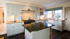 Whether you require a new kitchen, a kitchen renovation or simply new doors, Traditional Woodcraft, Braintree, Essex can offer you expertise and a range to suit all budgets. Custom Kitchen Cabinets, Kitchen Cabinet Design, Kitchen Paint, New Kitchen, Kitchen Decor, Kitchen Island, Kitchen Black, Kitchen Cupboard, Kitchen Units