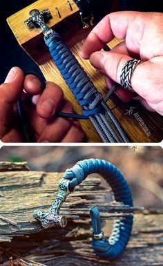 Steel of North – Paracord bracelet with Stainless steel Mjolnir (Thor's Hammer) Diy Bracelets Easy, Unique Bracelets, Bracelets For Men, Paracord Braids, Paracord Bracelets, Parachute Cord Bracelets, Viking Hair, Hook Bracelet, Tiger Eye Beads