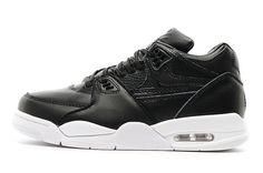 purchase cheap 7894b ec3d9 CONSTRUCTION SUPERIEURE. LÉGENDAIRE. La chaussure NikeLab Air Flight 89  offre un support durable, · Jordan 1 ...