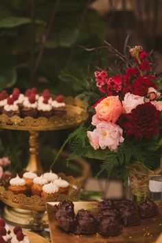 Beautiful dessert table set up   Photo by Maria Corona