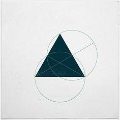 #362 Hidden truths – A new minimal geometric composition each day