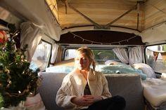 christmas in a van. this girl is my british idol. Vw Camper, Mini Camper, Kombi Interior, Art Van, Camping Life, Campervan, Vw Vans, Vintage Campers, Beetle