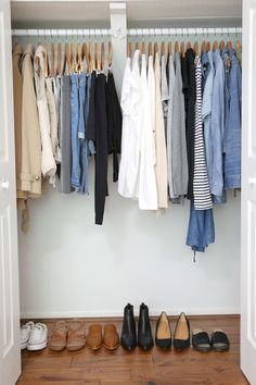 How To Reboot Your Closet in 2019 - Classy Yet Trendy New Year & A New You! Find out how to refresh your closet, so you love everything you wear, have a neat closet and get dressed quickly! Minimal Wardrobe, Simple Wardrobe, Classic Wardrobe, Wardrobe Closet, Wardrobe Basics, French Capsule Wardrobe, Closet Basics, Capsule Wardrobe How To Build A, Minimalist Wardrobe Essentials