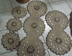 Caminho de Mesa em Crochê Crochet Earrings, My Favorite Things, Jewelry, Fashion, Kitchen Playsets, Crocheted Flowers, Tricot, Amor, Jewellery Making