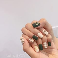 150 best nail art ideas you will love page 06 Korean Nail Art, Korean Nails, Minimalist Nails, Nail Swag, Trendy Nails, Cute Nails, Idol Nails, Gel Nagel Design, Plaid Nails