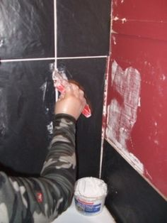 tiling bathrooms grouting with spreader