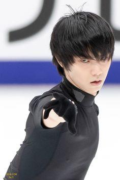 Ice Skating, Figure Skating, Yuzuru Hanyu, Male Figure Skaters, Male Ballet Dancers, Everyday Workout, Olympic Champion, Art Poses, Eyebrow Makeup