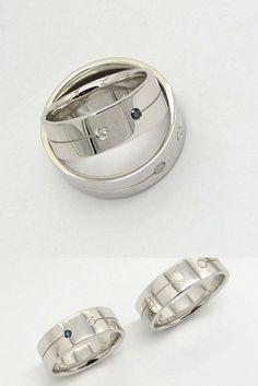 Két kör, két ember és a közös út, ami összeköti őket. Fehéraranyból készült karikagyűrűk. A női gyűrűbe két kisebb drágakő - egy gyémánt és egy kék zafír - lett foglalva. Rings For Men, Jewelry, Men Rings, Jewlery, Jewerly, Schmuck, Jewels, Jewelery, Fine Jewelry