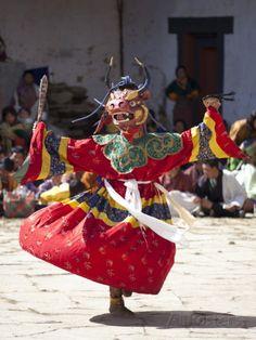 Buddhist Monks Performing Masked Dance During the Gangtey Tsechu at Gangte Goemba, Gangte, Phobjikh Fotografie-Druck von Lee Frost bei AllPosters.de